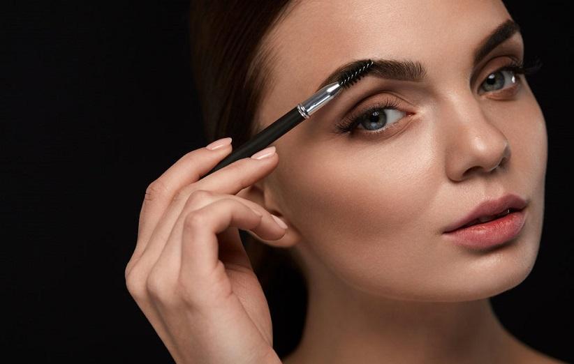 چگونه با آرایش چشم را درشت کنیم؟
