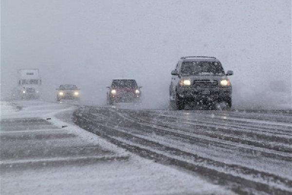 شروع بارش برف در چهارمحال و بختیاری، 2 راستا ارتباطی مسدودشد